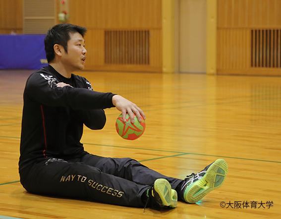 男子ハンドボール部監督 下川真良講師