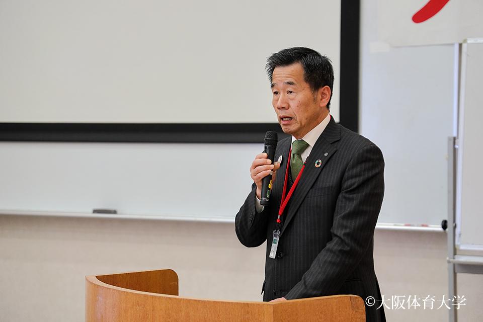 会の冒頭であいさつをされた、藤原敏司熊取町長。ステーション活動をする会員を感謝と労いの言葉をかけられました